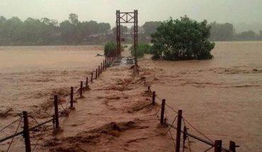 Bão lụt miền trung